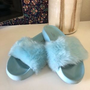 Urban Outfitters faux fur baby blue slides sandals